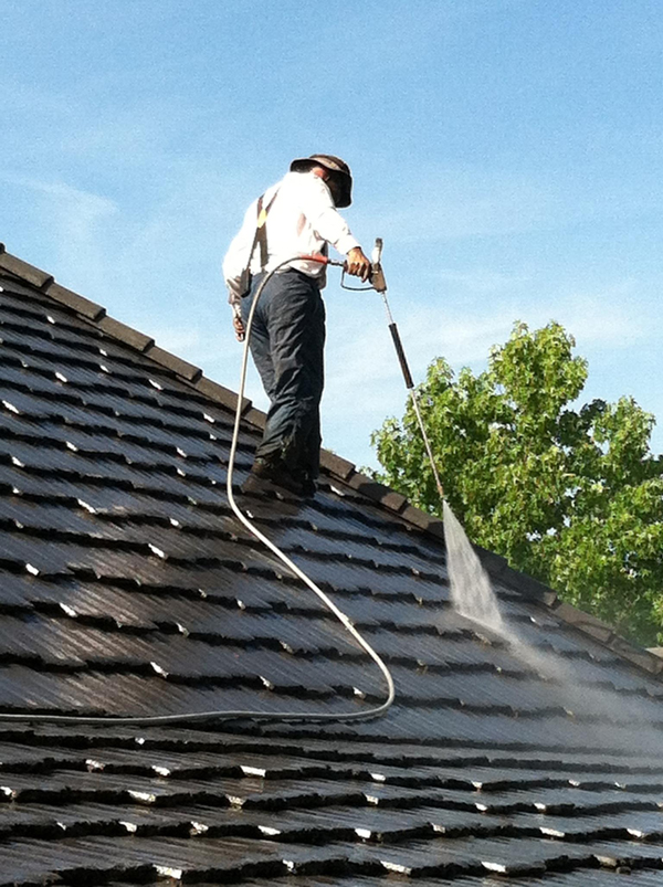 Los Angeles Tile Roof Power Washing